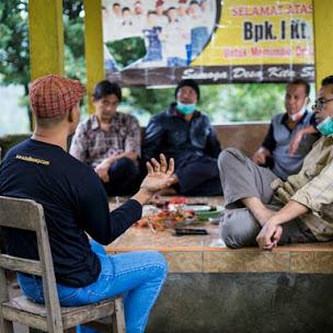 Pemburu Madu Buleleng Bali